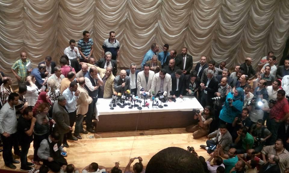الميرغنى فى معركة الدفاع عن النقابة عقب إقتحام وزارة الداخلية لها 2016