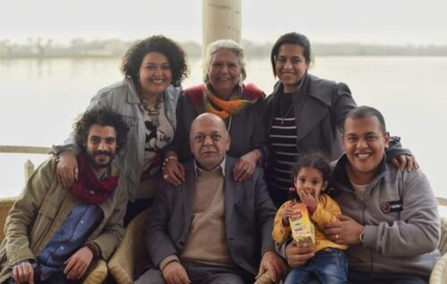 الميرغنى وآخر إحتفال بعيد ميلاد زوجته على ضفاف النيل مع الأسرة