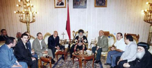 الميرغنى ومجلس نقابة الصحفيين فى لقاء مع البابا شنودة