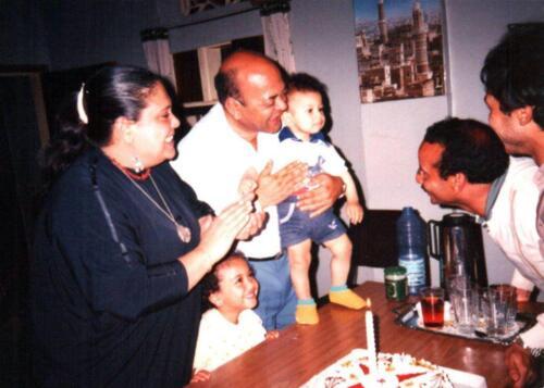 الميرغنى يحتفل مع الأسرة بعيد الميلاد الأول لإبنه حاتم - صنعاء اليمن